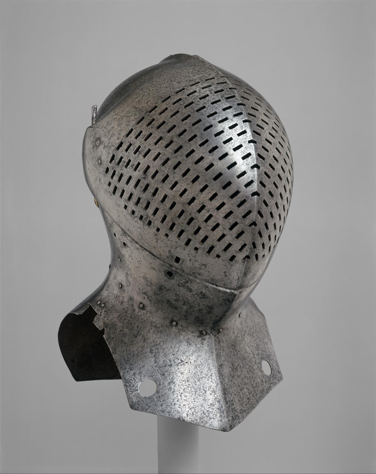 Foot Combat Helm.jpg