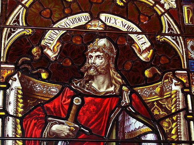csm_Harald_Hardrada_window_in_Kirkwall_Cathedral_geograph_2068881_1a91c2383d.jpg