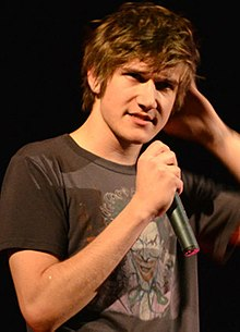 220px-Bo_Burnham_in_Pittsburgh_(cropped).jpg