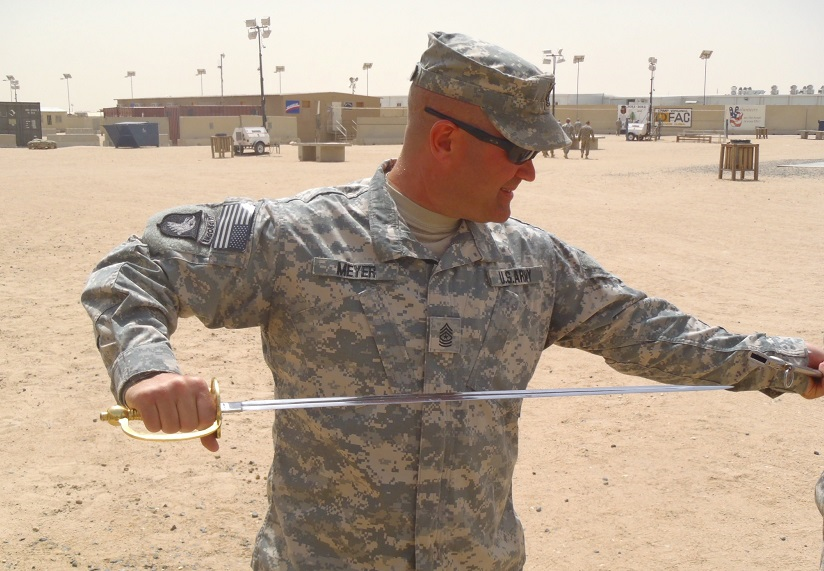 Army-guy-with-a-sword2.png