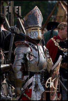 80e7b8fc33747266d4fd69ccbf3c5edf--knight-armor-medieval-armor.jpg