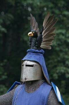 Great helm with crest 2.jpg